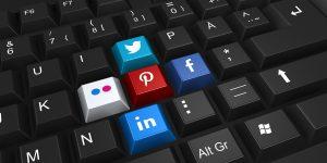 Social networking icon keys on keyboard